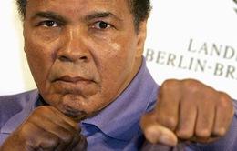 Tay đấm huyền thoại Muhammad Ali nhập viện vì viêm phổi