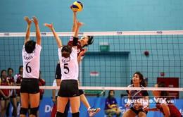 SEA Games 28: Bộ trưởng Hoàng Tuấn Anh xuống sân chúc mừng ĐT bóng chuyền nữ Việt Nam