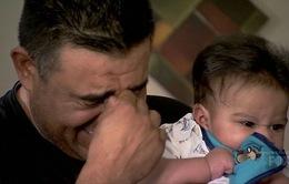 Gia đình CĐV nghèo bật khóc khi bất ngờ nhận món quà đầy giá trị từ David Beckham