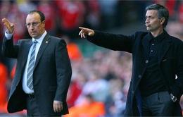 """Jose Mourinho phản pháo vợ Benitez: """"Bà ta nên để tâm đến cân nặng của chồng mình"""""""