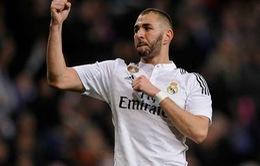 Đích thân HLV Rafa Benitez khẳng định sẽ giữ chân Karim Benzema