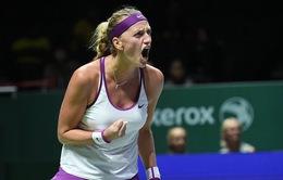 Bảng Trắng WTA Finals: Kvitova sống lại hy vọng vào bán kết