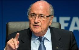Chủ tịch FIFA Sepp Blatter phải nhập viện khẩn cấp