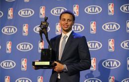 NBA: Stephen Curry được bình chọn là ngôi sao thể thao của năm của AP
