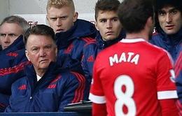 Van Gaal mắng Mata là 'cậu bé ngớ ngẩn' sau trận thua West Brom