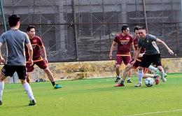 Cựu học sinh THPT Chu Văn An giao hữu bóng đá