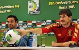 """Xavi: """"Bình tĩnh, Luis, chúng ta có Iker"""""""