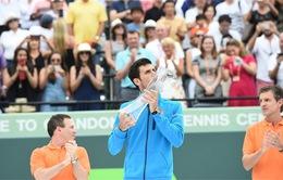 Vô địch Miami mở rộng, Djokovic san bằng kỷ lục của Andre Agassi