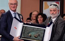 Giành ngôi vô địch trên đất Anh, HLV Ranieri được vinh danh ở quê nhà Italia