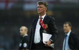 Manchester United thuê hẳn máy bay riêng để đưa Van Gaal tới Bồ Đào Nha