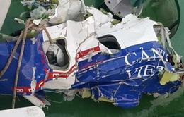 VIDEO: Cận cảnh các mảnh vỡ của máy bay CASA-212