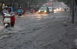 Cả nước mưa rất to, cảnh báo ngập lụt, tố lốc
