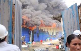 CHÙM ẢNH: Cháy kinh hoàng thiêu rụi khu lán trại 400m2 ở Hoàng Mai, Hà Nội