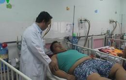 Cứu sống một trẻ 14 tuổi béo phì 130kg bị sốt xuất huyết nặng