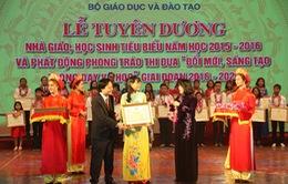 Tuyên dương, khen thưởng nhà giáo, học sinh tiêu biểu năm học 2015 - 2016