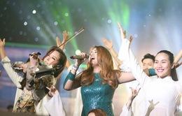 VIDEO: Janice Phương hát 'Hello Việt Nam' lay động Vietnam Idol 2016