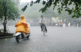 Áp thấp gây mưa dông kèm lốc xoáy trên vùng biển