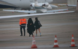 Chùm ảnh: Kim siêu vòng 3 sợ hãi trốn khỏi Paris sau khi van xin bọn cướp tha mạng
