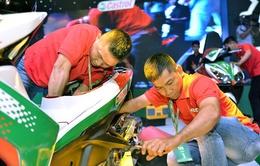 Thợ máy Việt Nam tranh tài cùng bạn bè quốc tế do Castrol tổ chức