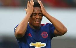 Anthony Martial sa sút không phanh ở Man United. Vì bị vợ bỏ?