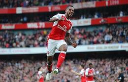 ĐIỂM NHẤN Arsenal 3-2 Swansea: Walcott là người hùng. Arsenal vẫn bị Swansea ám ảnh