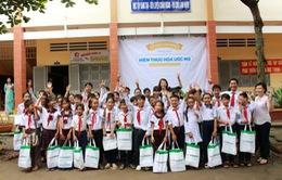 FE CREDIT trao tặng 120 suất học bổng cho trẻ em nghèo hiếu học