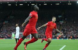 Liverpool vươn lên ngôi đầu, MU tìm lại cảm giác chiến thắng