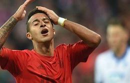 Hàng công tịt ngòi, Bayern may mắn có 1 điểm nhờ đối thủ 'tặng' bàn thắng
