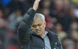 Mourinho và 7 khoảnh khắc của 'kẻ xấu xa' chỉ trong vòng 15 tháng