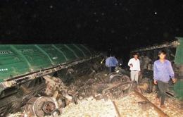 Đã thông tuyến đường sắt Bắc - Nam sau sự cố lật tàu ở Huế