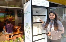 Ấn Độ: Tủ lạnh ngoài trời chứa thực phẩm cho người vô gia cư