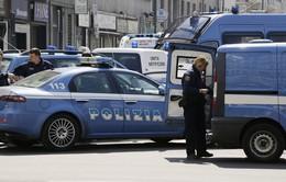Italy bắt giữ 8 đối tượng trong đường dây buôn người