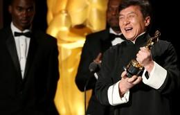 Sau 56 năm với rất nhiều tai nạn, Thành Long đã đoạt tượng vàng Oscar