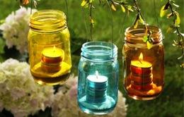 Tự trang trí vườn với đèn nến độc, lạ