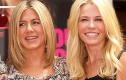 Bạn thân của Jennifer Aniston hằn học nói về cuộc ly hôn của Angelina Jolie