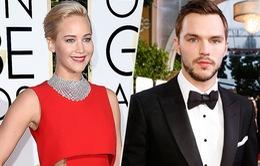 Jennifer Lawrence thân thiết với tình cũ điển trai