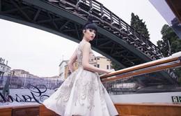 Jessica Minh Anh biến con tàu khổng lồ AIDAluna thành sàn diễn thời trang