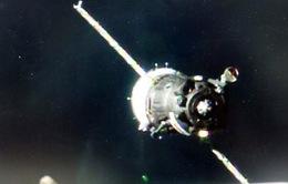 Tàu vũ trụ Nga đã đưa 3 phi hành gia lên ISS an toàn