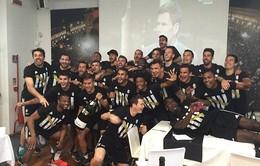 Juventus mở sâm-panh ăn mừng Scudetto trước 3 vòng đấu