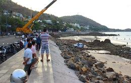 Thi công kè chậm tiến độ, đê biển Tây Cà Mau bị đe dọa
