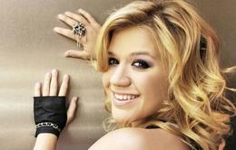 Kelly Clarkson làm giám khảo American Idol
