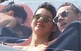 Taylor Swift nổi đóa khi bạn trai cũ hẹn hò với Kendall Jenner