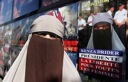 Pháp: Người phụ nữ sẵn sàng hầu tòa để đeo mạng che mặt