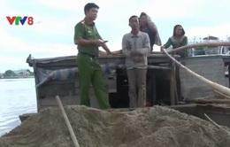 TT-Huế: Phát hiện 2 chủ đò khai thác cát sạn trái phép