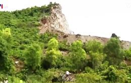 """Ngôi làng """"sống trong sợ hãi"""" tại vùng khai thác đá"""
