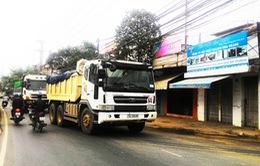 Tai nạn tiềm ẩn từ xe chở vật liệu xây dựng ở Nha Trang