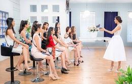 Thúy Vân chia sẻ kinh nghiệm cho Top 10 Hoa khôi Áo dài 2016