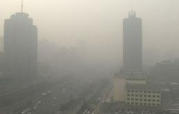 Trung Quốc phát cảnh báo vàng về khói mù