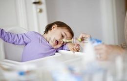 Tác hại của việc ép trẻ ăn