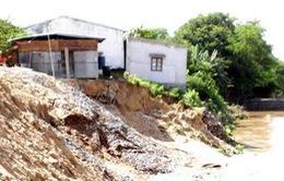 Triều cường cuốn trôi hàng chục căn nhà ở Bình Thuận trong dịp Tết